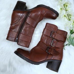 CLARKS Artisan Leather Buckle Zipper Boots :1001